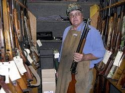 Американцы запасаются оружием накануне «конца света»