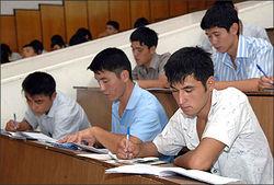 Казахстанские студенты помогают полицейским