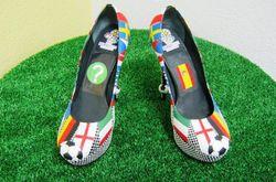Дизайнер «футбольных туфель» раскрыл свой прогноз