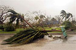 Ураган «Эрнесто» в Мексике грозит рекордными убытками