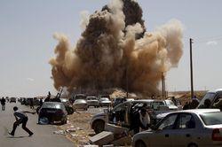 Сирийские военные получили ранения в результате взрыва колонны наблюдателей ООН