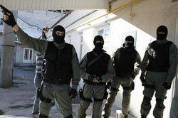 В центре Москвы неизвестные в масках устроили стрельбу