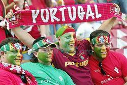Во Львов уже прибыли иностранные болельщики Евро 2012