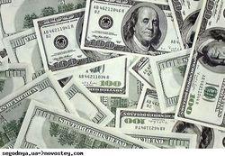 Украинцы отказываются от доллара