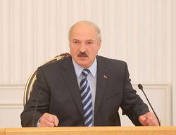 Лукашенко ищет возможность отстраниться от роста зарплат
