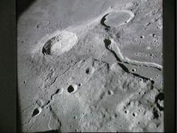 Двухкилометровый Океан Бурь на Луне - след падения астероида