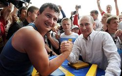 Социологи об авторитете Владимира Путина среди молодежи