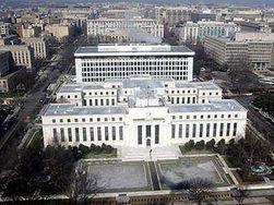 Конгресс США хочет полностью контролировать ФРС