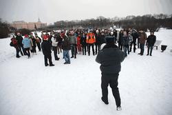 Полиция разогнала «Снежную битву» в Питере – народную забаву приравняли к митингу