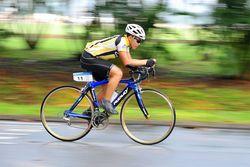 Мать заплатит 1 млн. долларов за неумение сына ездить на велосипеде - причины