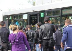 """В Казахстане чиновников отправили в автобусы """"узнать, чем дышит народ"""""""