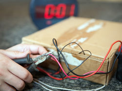 В трансформаторной подстанции в Смоленской области нашли бомбу