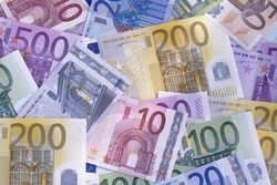 Слабый евро улучшает финпоказатели крупных европейских компаний