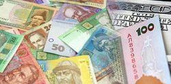 В интернет-магазинах безналичный доллар оценивают почти в 9 гривен