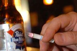 Курение тормозит процесс излечения от алкогольной зависимости