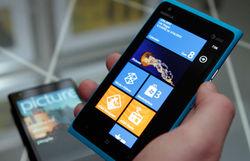Почему смартфон Nokia Lumia 900 в США подешевел вдвое