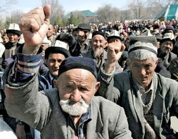 В Узбекистане всё чаще устраивают самосуд над налоговиками