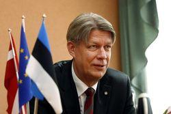 Президент Латвии одобрил повышение пенсионного возраста на 3 года