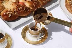 Опыт PR: чашка вареного греческого кофе помогает продлить жизнь