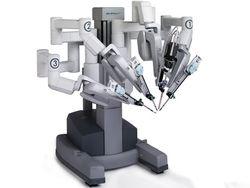 Робот-хирург Da Vinci работает на открытом сердце и готовится к космосу