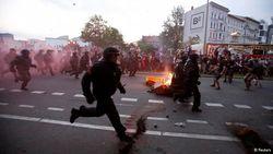 Первомайскую демонстрацию в Турции полиция встретила газом и дубинками