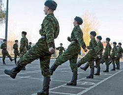 В России с осени 2013 начнут эксперимент со студентами в армии