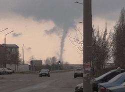 Шутки природы: в Энергодаре возник торнадо