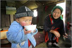 В Узбекистане лишают пособий подростков из малообеспеченных семей