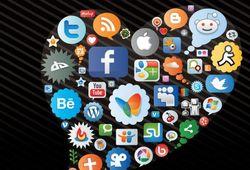 Популярность соцсетей у звезд шоу-бизнеса: первый - Twitter, четвертые - Одноклассники