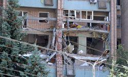 Азаров пообещал материальную помощь всем пострадавшим от взрыва в Луганске