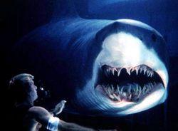 Ученые из Австралии создали гидрокостюм, в котором не страшны даже акулы