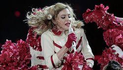 Иск к Мадонне в Петербурге заморожен - истцы адреса ее не знают