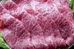Лукашенко пообещал приучить людей к нормальному мясу