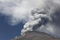 Мексика: вулкан Попокатепетль угрожает 19 млн человек