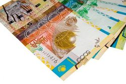 Курс тенге снижается к швейцарскому франку и австралийскому доллару
