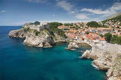 В каких объектах нуждается туристическая инфраструктура Черногории?