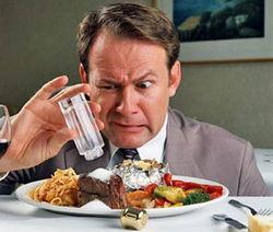 Избыток соли в организме вызывает онкологию – ученые