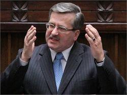 Коморовский: не стоит привлекать к суду экс-чиновников