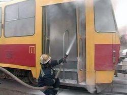 В результате возгорания пороха в днепропетровском трамвае пострадало девять человек