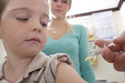 Почему в Казахстане вакцинацию детей считают экспериментом над людьми