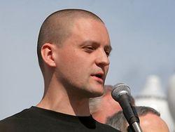 Сергей Удальцов принимает участие в массовой акции протеста