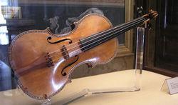 Скрипка Страдивари оказалось в бюро находок