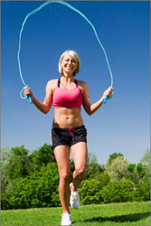 Прыжки со скакалкой – лучшее средства для преодоления... чувства голода