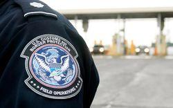 Таможенники США будут теперь проверять визы всех иностранных студентов