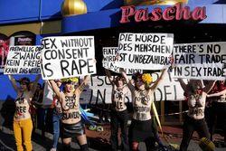 В Facebook обсуждают открытие представительства FEMEN в Германии