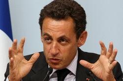 В Facebook судачат о бегстве Саркози из Франции из-за налога на богатых
