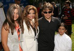 Одноклассники о деньгах Майкла Джексона и требованиях наследников