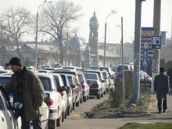 Дельцы наживаются на нехватке бензина в столице Узбекистана