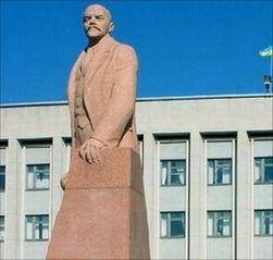 Памятник Ленину обезглавили в Бердичеве