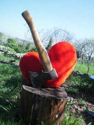 Почему власти Узбекистана ополчились на День святого Валентина